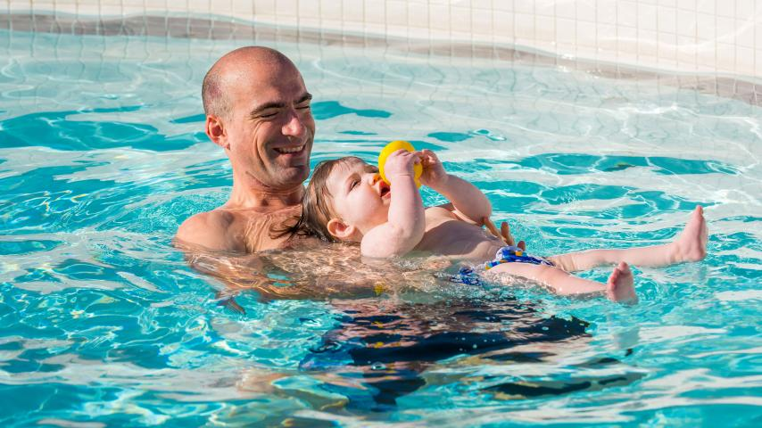 dad and son swim lessons